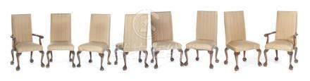 EIGHT CHIPPENDALE-STYLE DINING CHAIRS.