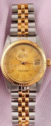 ROLEX OYSTER PERPETUAL LADY DATEJUST RÉF 6827 VERS 1977 MONTRE DE DAME en or 750 millièmes e