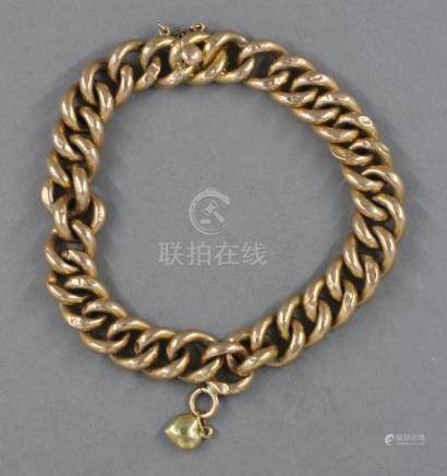 Bracelet à maillons creux avec un pendentif cœur en or jaune 18k, pds : 15,7 g.