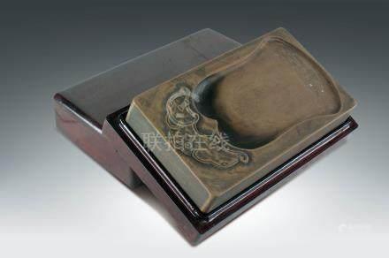 清  鐘紋澄泥硯