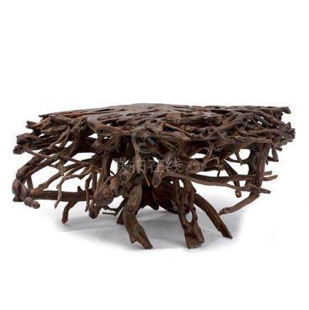 An unusual root wood table (2) 48 cm high, 115 cm wide, 72 c