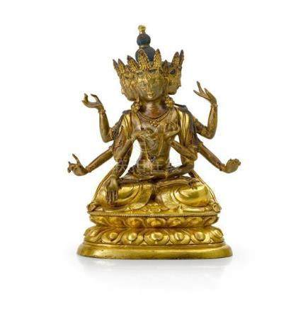 A gilt bronze figure of Ushnishavijaya, 18th /19th century 2