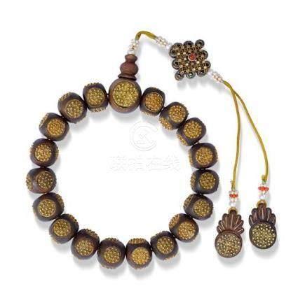 A gilt decorated agarwood bead bracelet bracelet extended 34