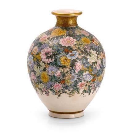 A Satsuma earthenware vase by Kinkozan, Meiji period 22 cm h