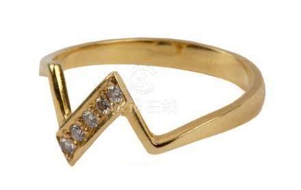 18 k. yellow gold and diamonds ring