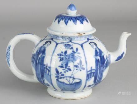 17th - 18th Century Chinese porcelain Kang Xi teapot