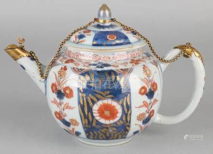 Large 18th century Chinese Imari porcelain traveling