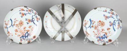 Three large 18th century Chinese porcelain Family Rose