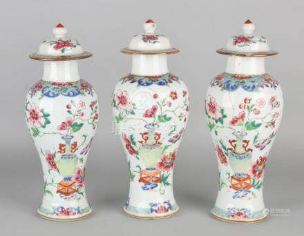 Rare 18th century Chinese porcelain Family Rose cabinet