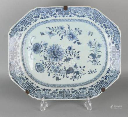 Large 18th century Chinese porcelain Queng Lung meat