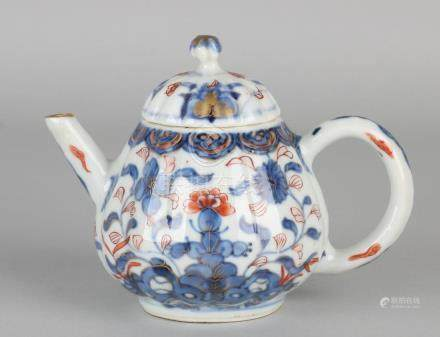 18th century Chinese Imari porcelain teapot with gold