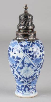 17th - 18th Century Chinese Kang Xi pepper shaker with