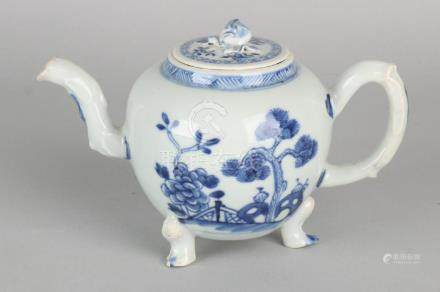 18th - 19th Century Chinese porcelain pot on three