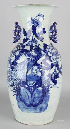 Large antique Chinese porcelain vase with bird of