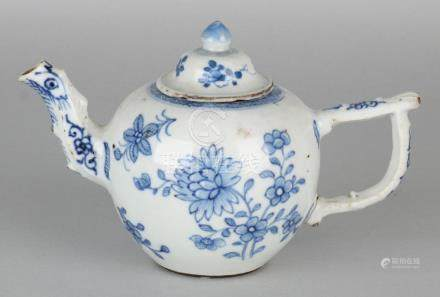 18th Century Chinese porcelain teapot with floral