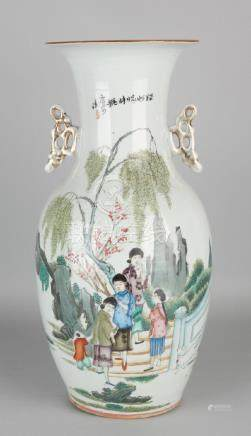 Beautiful large antique Chinese porcelain vase with