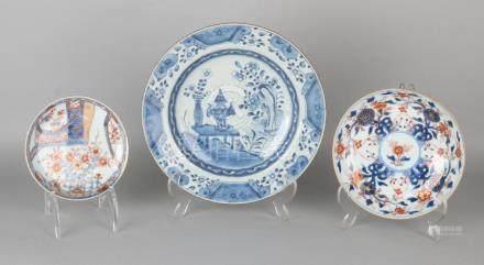 Three times 18th century Chinese porcelain. Twice Imari