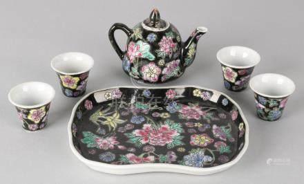 Six-piece Chinese porcelain Family Noir tea set. Circa