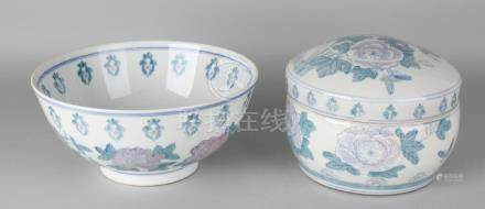 Large Chinese porcelain bowl and lid jar with floral
