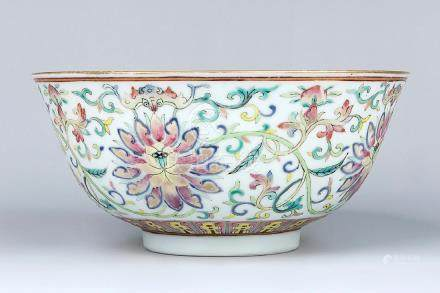 CHINESE QIANLONG MARK  FAMILLE ROSE BOWL