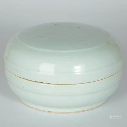CHINESE ANHUA PORCELAIN COVER BOX