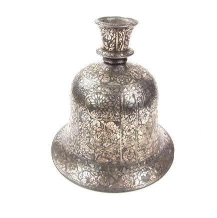 An Indian Islamic Mughal silver inlaid Bidri hookah base, Lucknow, North India, 18th/19th century.