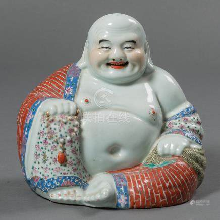 """""""Buda de la Felicidad"""" Figura en porcelana china. Trabajo Chino, Siglo XX."""