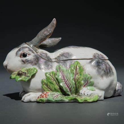 Terrina en forma de conejo en porcelana para la Exportación. Siglo XIX