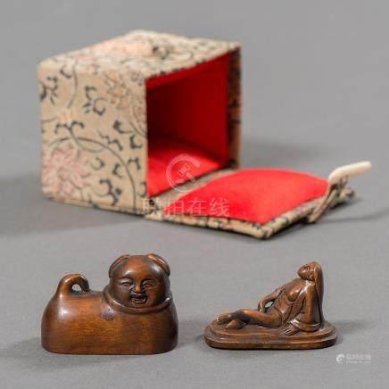 Figura erótica en madera tallada. Trabajo Japonés Siglo XIX-XX