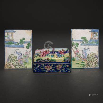 Conjunto de dos placas y caja en esmalte. Trabajo Chino, Siglo XX