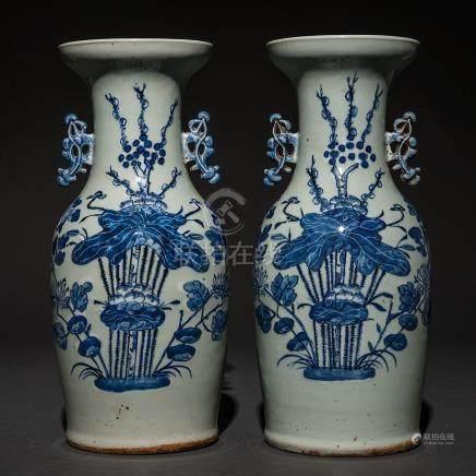 Pareja de jarrones en porcelana china azul y blanca. Trabajo Chino, Siglo XIX-XX