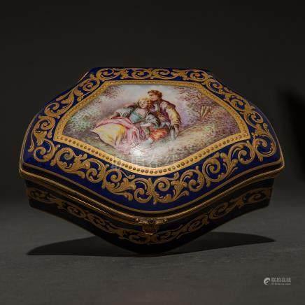 Caja joyero en porcelana azul cobalto en porcelana sevres. Trabajo francés, Finales del siglo XIX