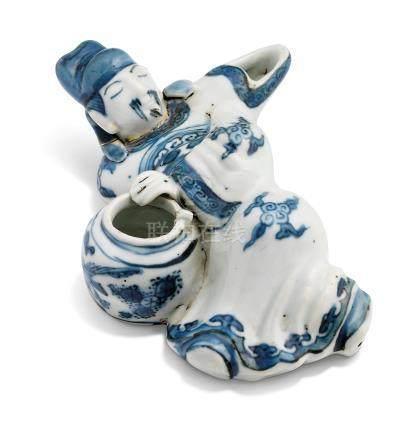A BLUE AND WHITE 'LI BAI' WATER DROPPER