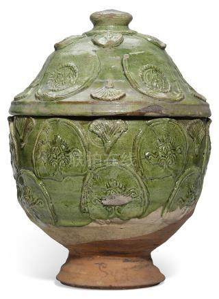 A GREEN-GLAZED RED-POTTERY 'FOLIATE' JAR AND COVER