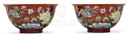 A PAIR OF CORAL-RED GROUND FAMILLE VERTE BOWLS