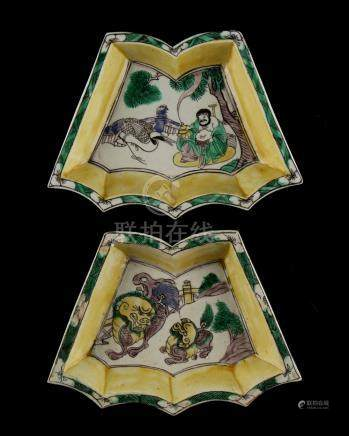 Property of a gentleman - a pair of Chinese famille verte shaped dishes, Kangxi period (1662-