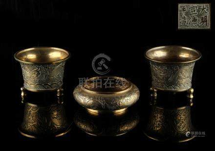 Property of a lady - a pair of Chinese bronze deep censers, late 19th / early 20th century, each