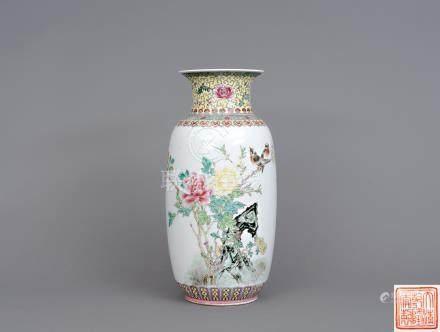 六、七十年代 粉彩花鳥瓶