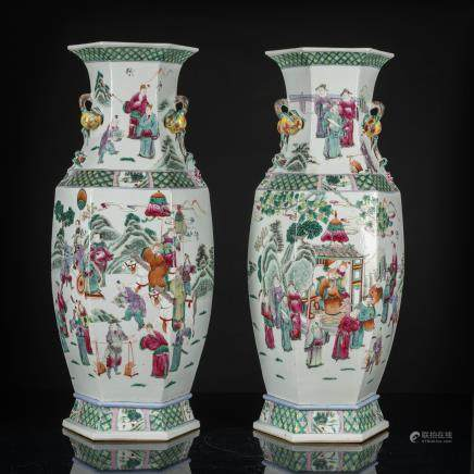 A Pair of 19th Antique Famille Rose Hexagon Vase