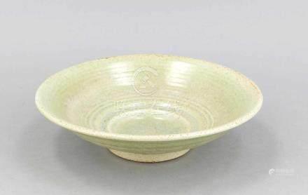 Seladon-farbene Schale, D. 25 cm Celadon-colored shell, D. 25 cm
