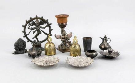 Konvolut von 12 Teilen Nepal, Tibet, Indien, bis 20 cm Convolute of 12 parts Nepal, Tibet, India, to