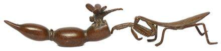 銅秋蟲、蓮藕筆架二件
