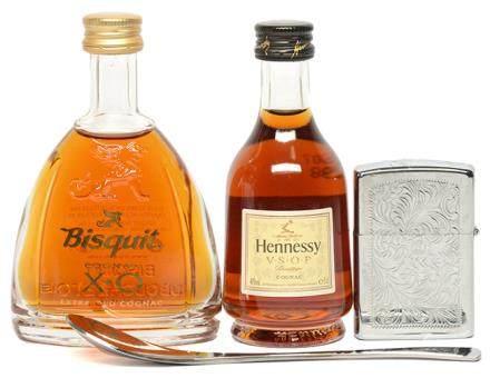 HENNESSY、BISQUIT 酒辦二件 連打火機 (共3件)