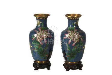 A PAIR OF JAPANESE MEIJI PERIOD CLOISONNE VASES