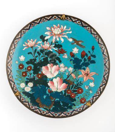 A PAIR OF LARGE JAPANESE MEIJI PERIOD CLOISONNE CHARGER PLAT