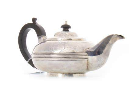VICTORIAN SILVER TEAPOT maker Joseph & Albert Savery, London 1853, of squat oviform, with central