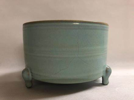 A RU KILN TRIPOD CENSER, SONG DYNASTY