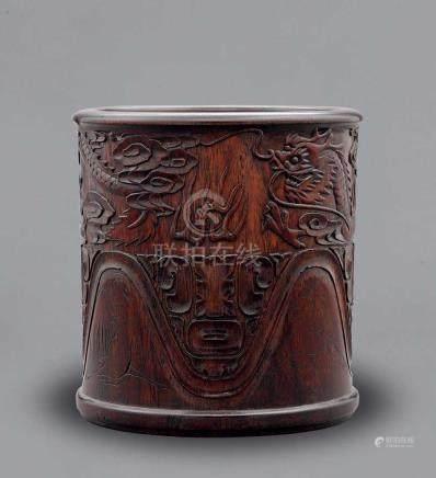 硬木雕雲龍紋筆筒