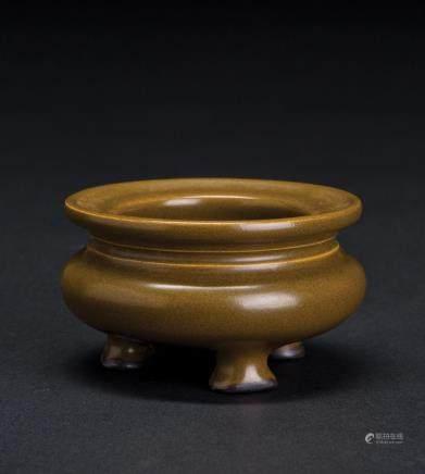 茶叶沫釉三足小香炉