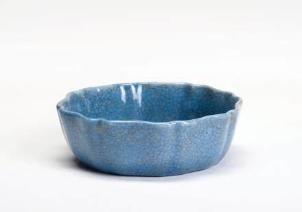 蓝釉花口水呈